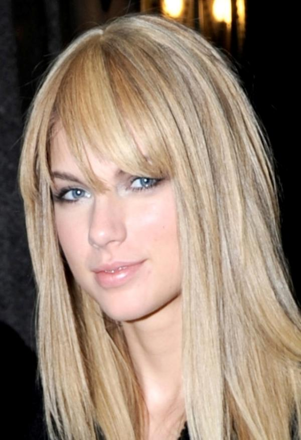 taylor swift love story hair. Taylor Swift rocked a new